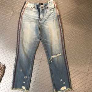 NWT Distressed High Rise Abercrombie Jeans